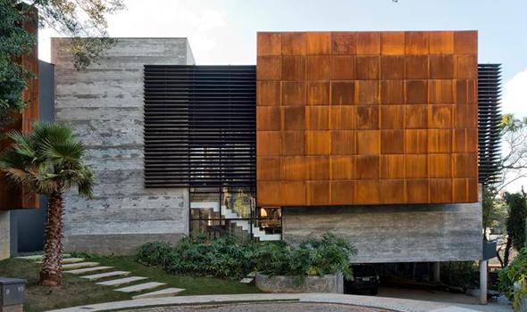 Uma residência moderna no coração de Curitiba